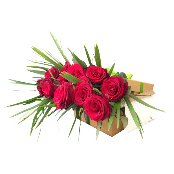 12 Red Roses in a Box!