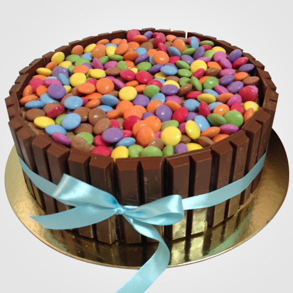 KITKAT and SMARTIES Cake!